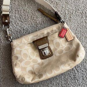💕Coach gold brown creme crossbody purse 💕